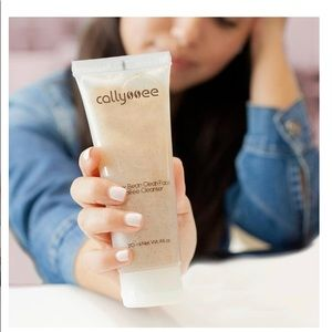 NEW Callyssee Better Bean Coffee Face Cleanser
